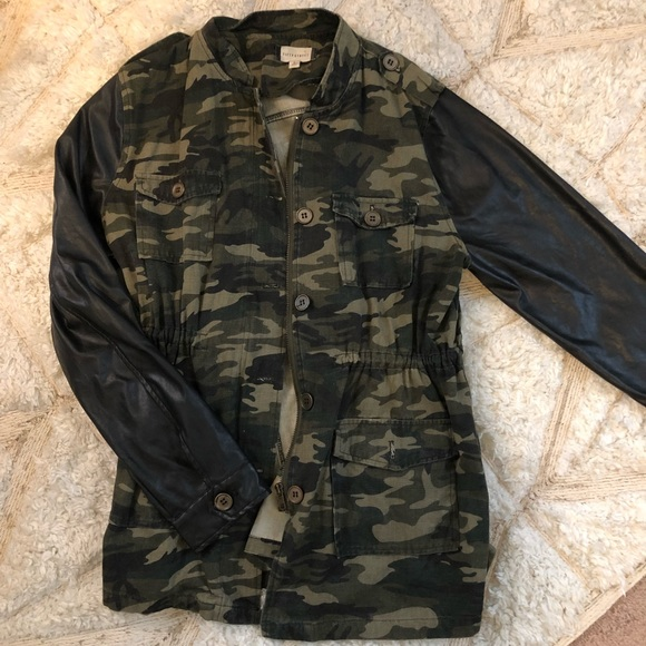 d9b073ec5 Army print and faux leather sleeved jacket